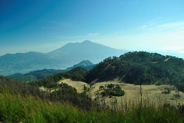 Sabana dan Arjuno Welirang dari puncak